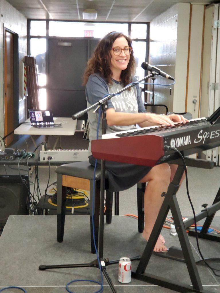 Sarah Hart performing at Daughters of God Retreat